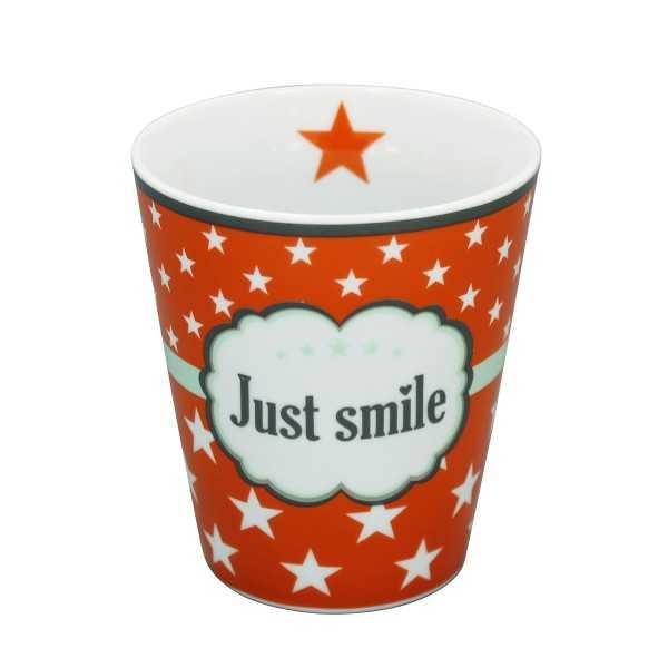 """Orange krus med tekst """"Just smile"""" i flot vintagestil"""