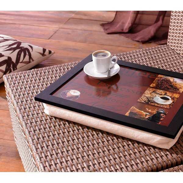 Bakke med pude og kaffemotiv