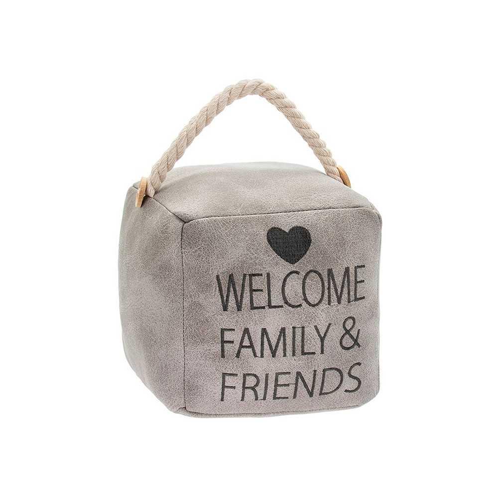 """Firkantet dørstopper i lyst kunstlæder med tekst """"Welcome Family and Friends"""""""